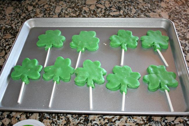 Easy Shamrock Cookie Pops