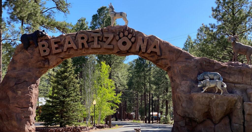 Giant sign to Bearizona