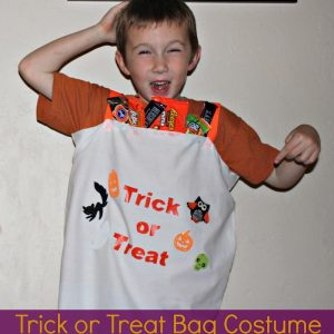 Last-Minute-Costume-Idea-Trick-Or-Treat-Bag