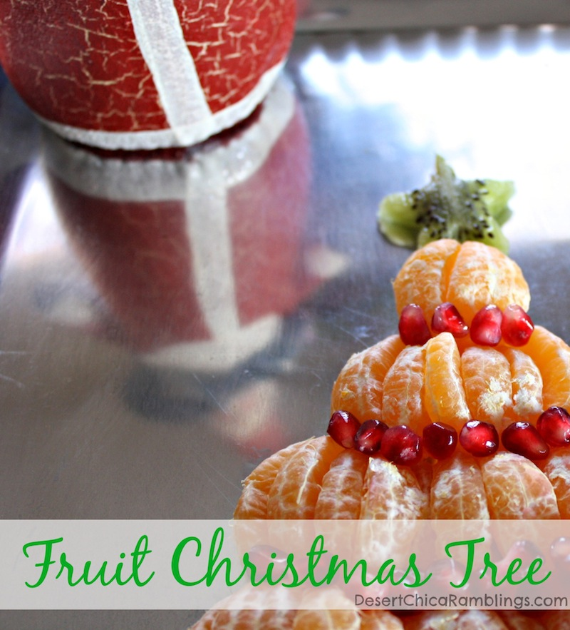 A Christmas tree using mandarin oranges, kiwi, banana and pomegranate seeds is sweet, festive and healthy. Perfect for a holiday party!