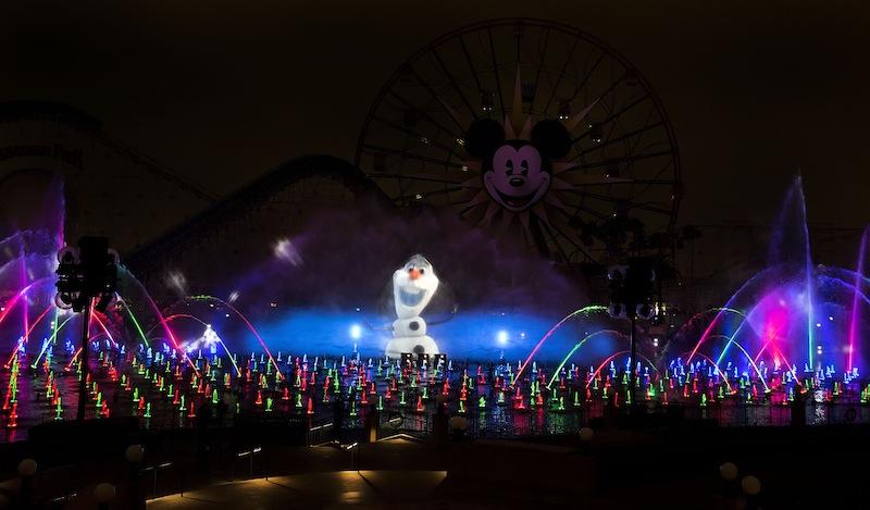 OLAF - WORLD OF COLOR – WINTER DREAMS 10_13_DCA_01586