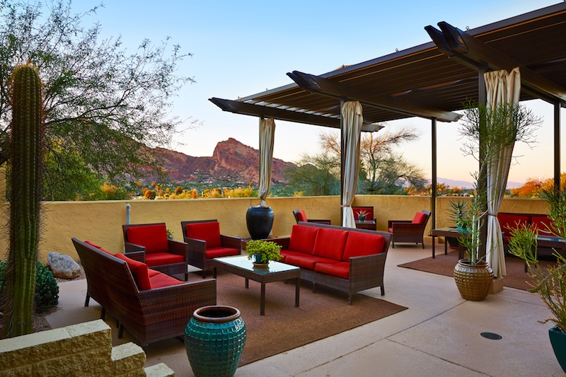 Ladies Outdoor Lounge (1)
