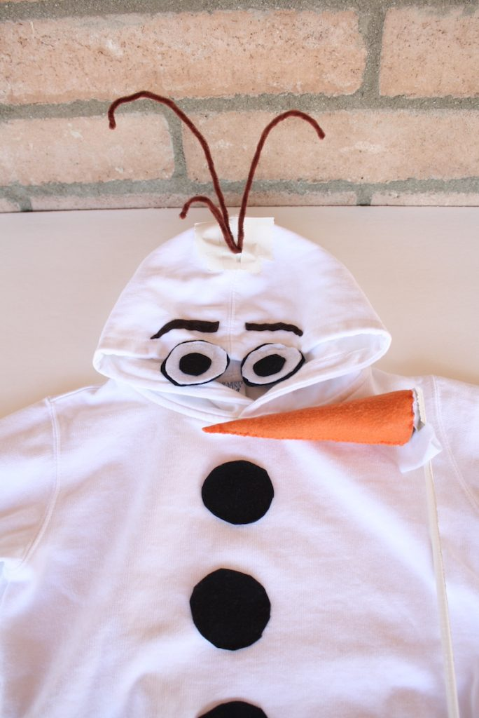 How to make a DIY Olaf costume hoodie for Halloween or Disneybounding