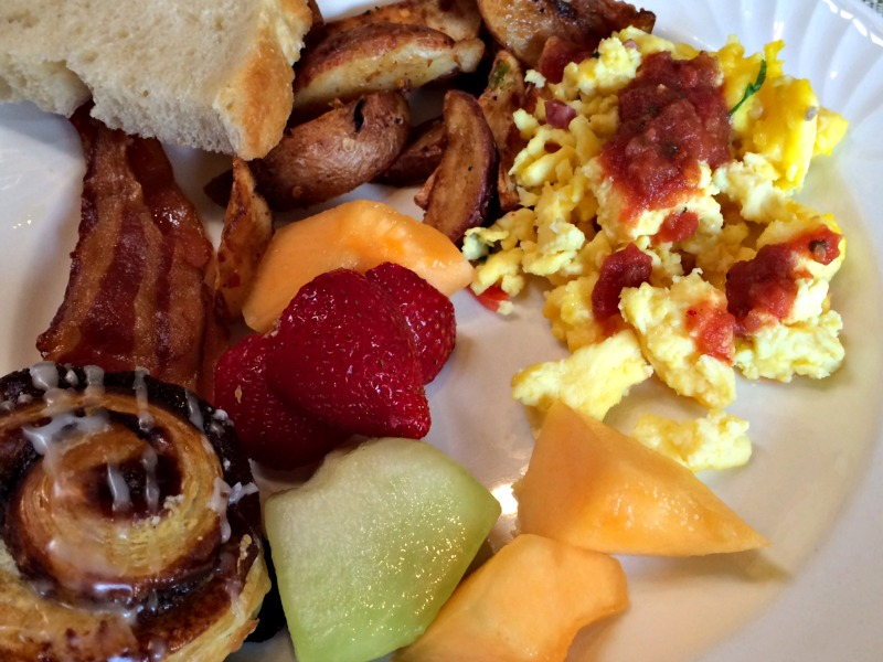 Hilton El Conquistador Breakfast Buffet.jpg