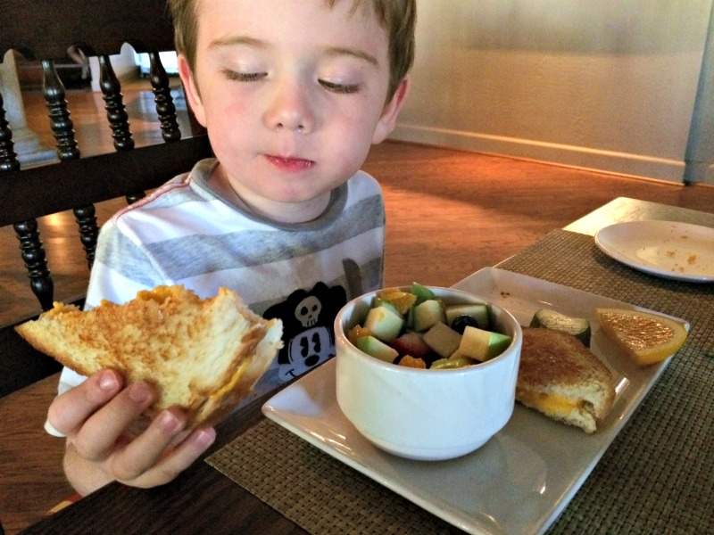 Hilton El Conquistador Kids Meal.jpg