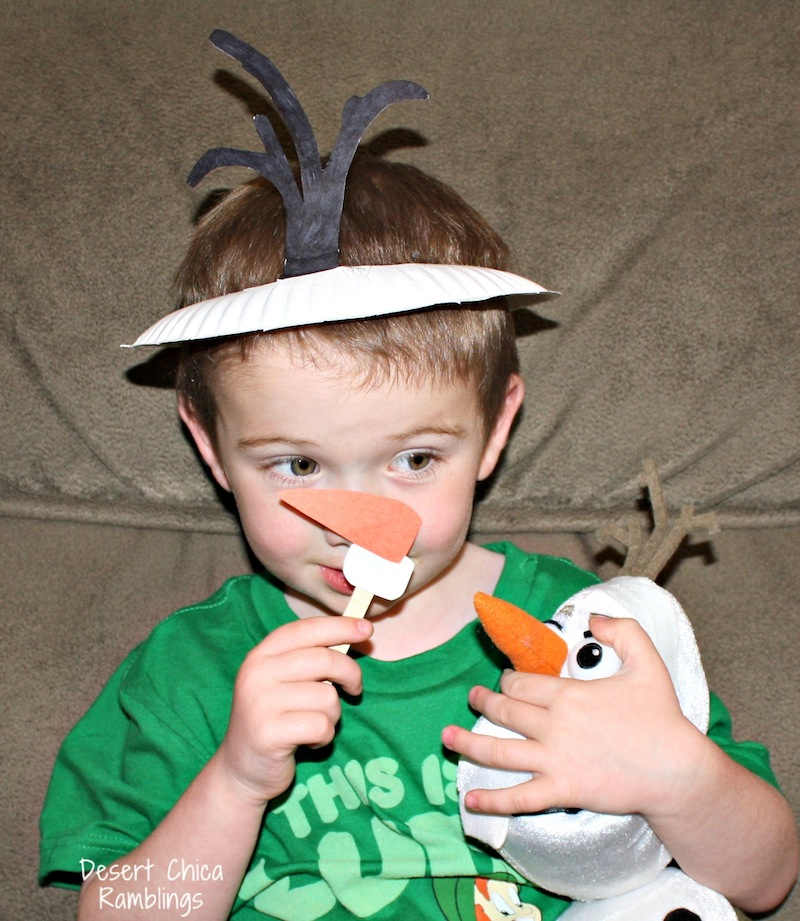 Olaf hat and nose paper plate craft