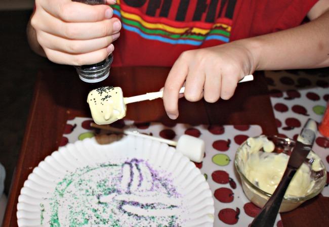 Sprinkles on Halloween Marshmallow Pops