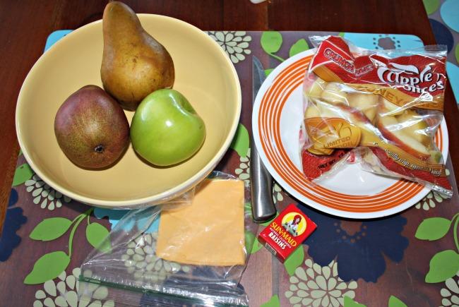 Thanksgiving fruit turkey ingredients