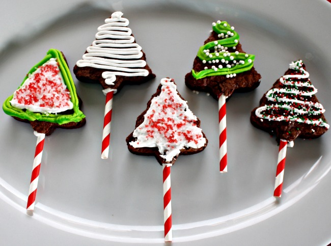 Peppermint Christmas Tree Brownie Pops