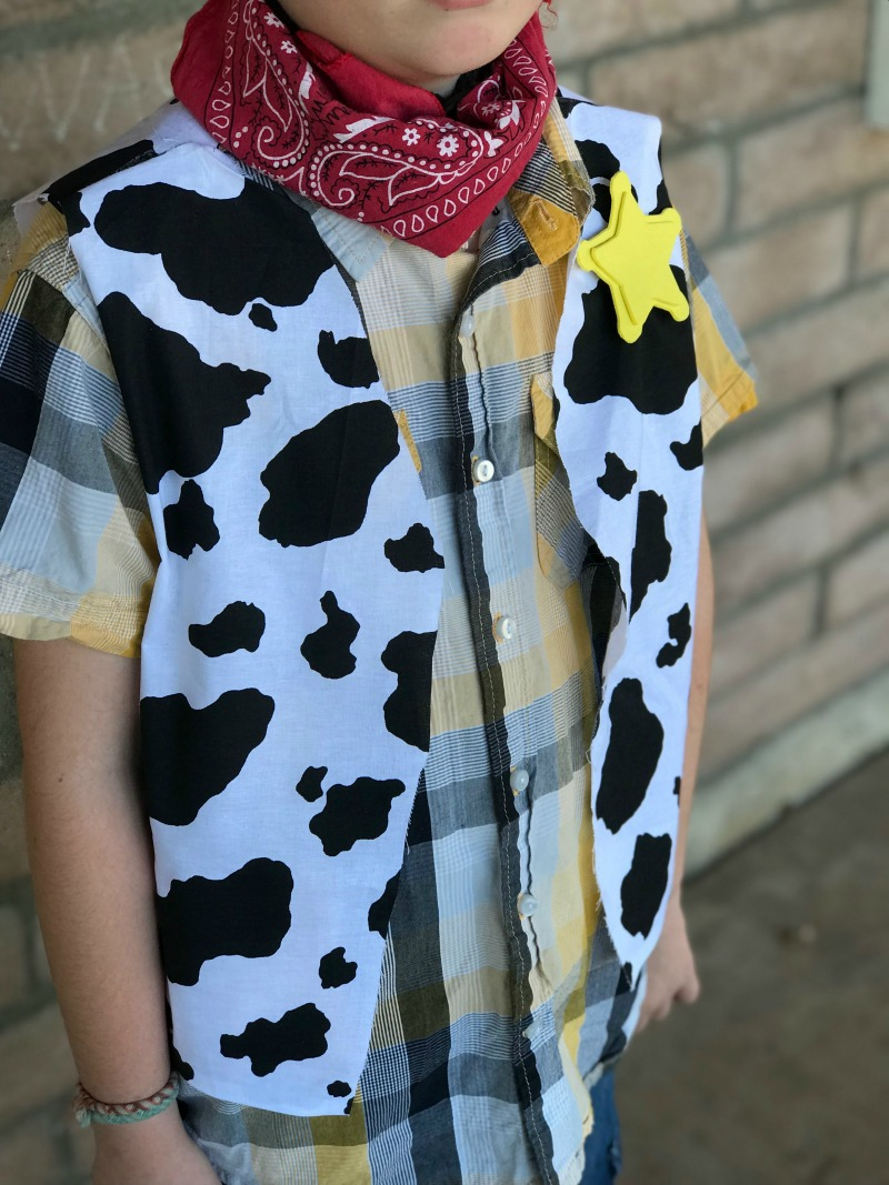 Make an easy DIY cowboy woody costume for Toy Story Land Disneybound or halloween costume