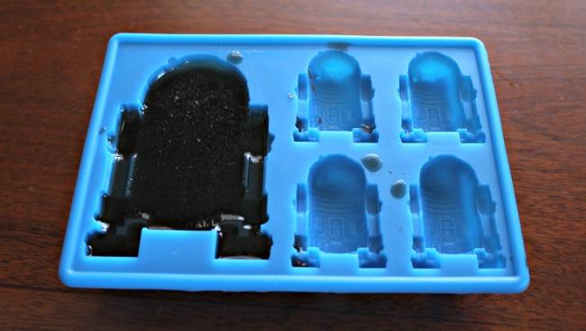 R2D2 Mold fruit snacks