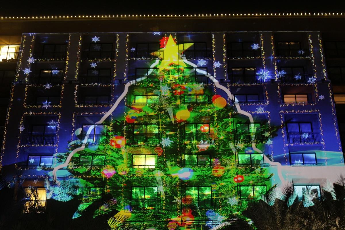 PaintScaping Christmas Tree at Westin Kierland