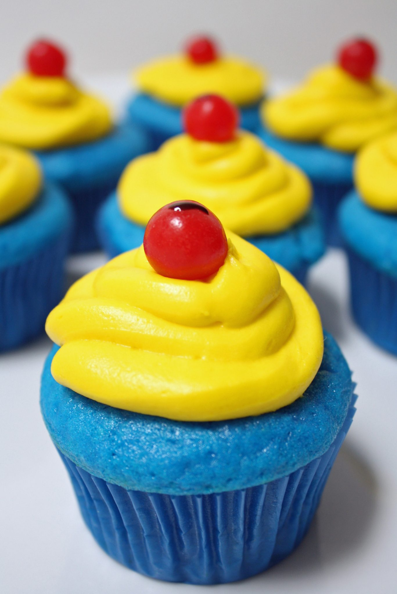 Disney Snow White Inspired Cupcakes