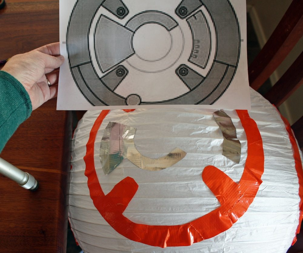 Use the templates to recreate the patterns on the BB-8 Paper Lantern