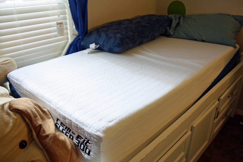 serta queen gel foam mattress