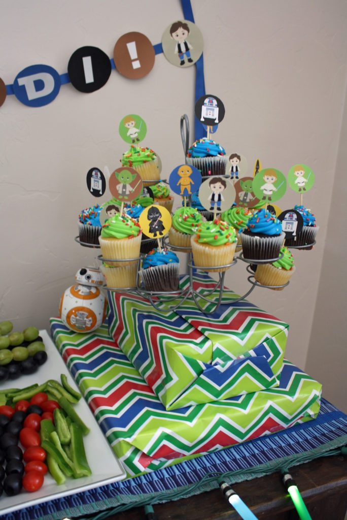 Star Wars Baby Shower Cupcakes