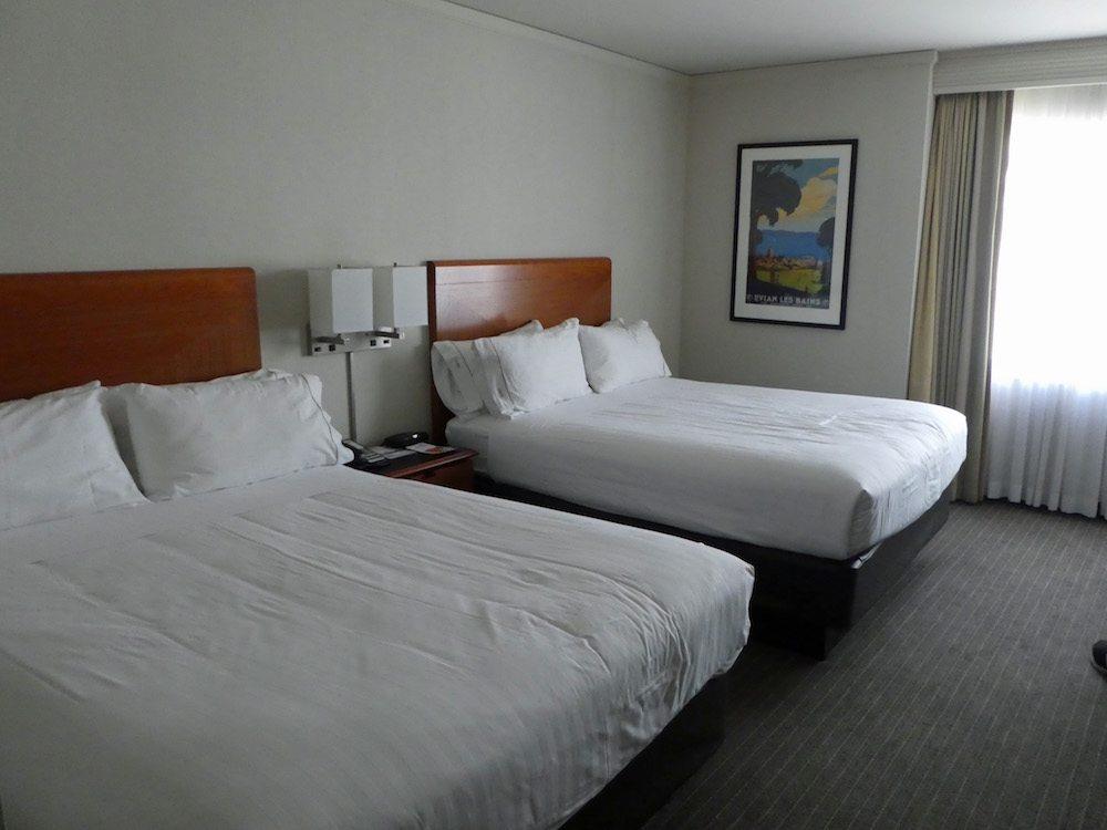 holiday-inn-express-sf-room