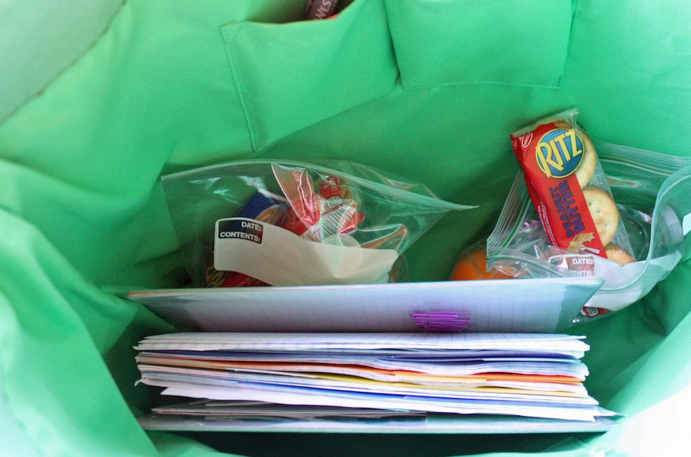 throw-snacks-in-your-bag-and-avoid-hangry-kids
