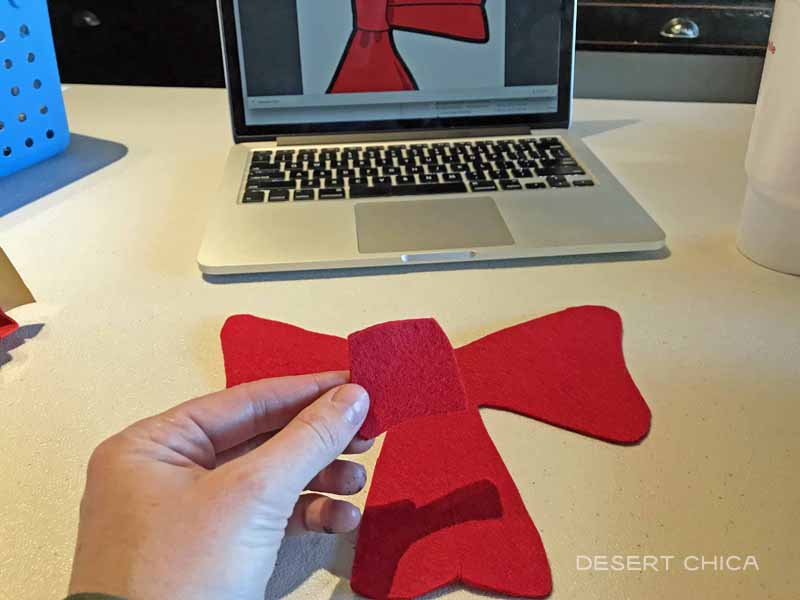 Make a cat in the hat costume bow using red felt