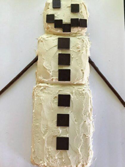 Easy minecraft snowman cake design