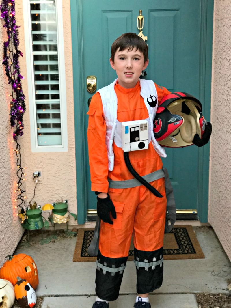 DIY Star Wars Poe Dameron Costume