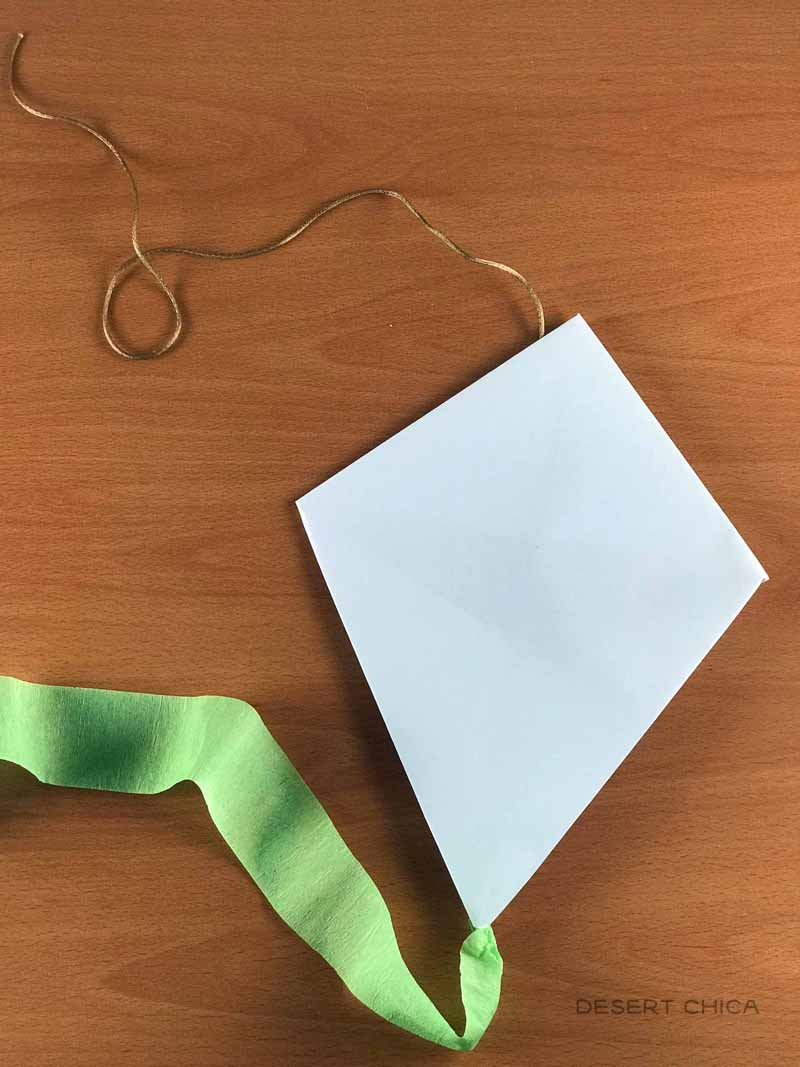 How to make a kite from copy paper