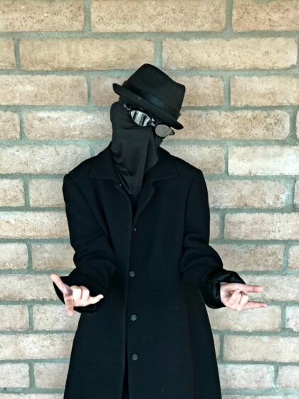 Spider-man Noir into the Spiderverse costume