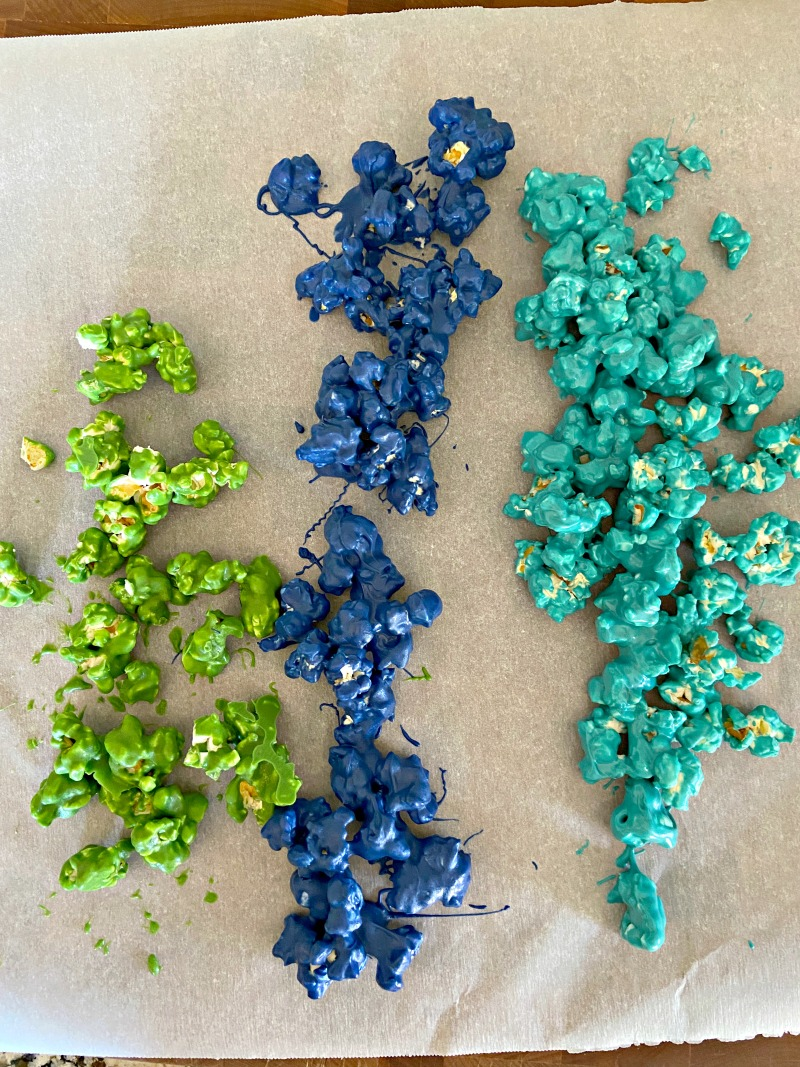 candy coated popcorn in blue and green