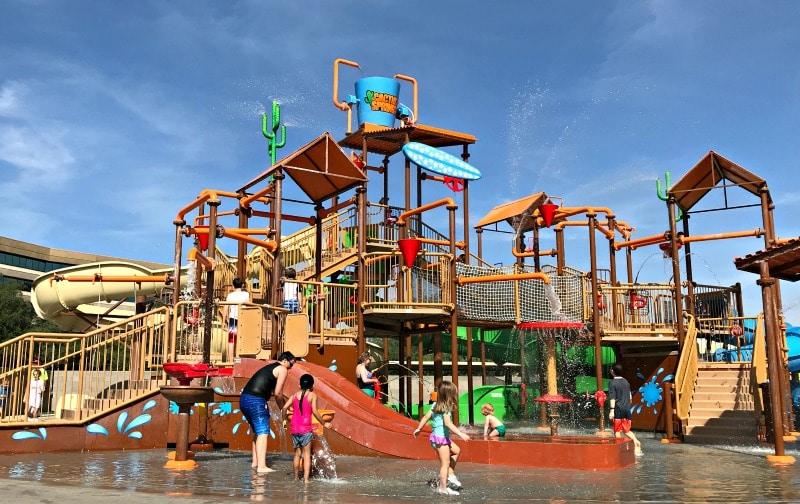 Water park and splash area at Funtasticks in Tucson, AZ
