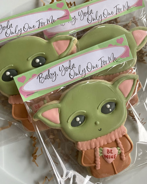 Baby Yoda Bag Topper with Baby Yoda Cookie
