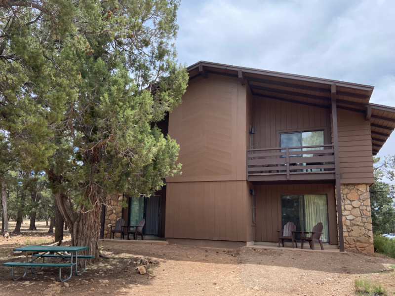 two story building with patio/balconys at Maswik lodge in grand canyon