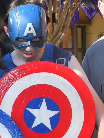 Captain America ZOmbie with shield
